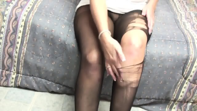 Dirty Amateur With Torn Pantyhose